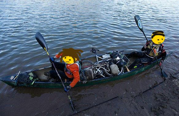 bikes_in_canoe_4